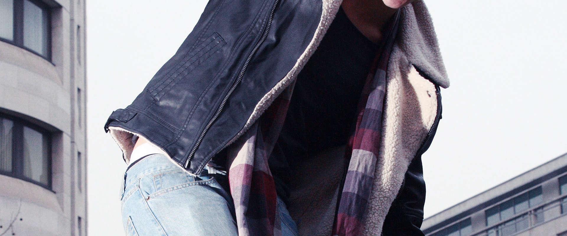 Vêtement de cuir pour homme et femme