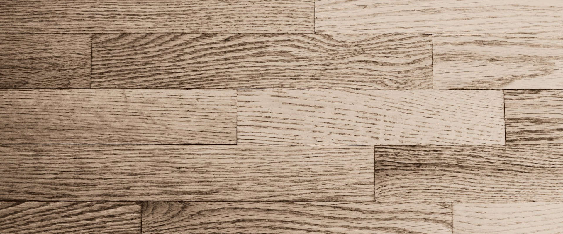 Prix pour la pose de plancher et le vernissage et sablage de plancher en bois franc