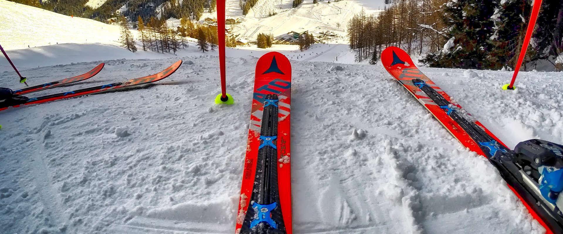 Prix pour l'achat de ski alpin et de planche à neige